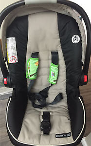 Car seat, stroller and 2 bases