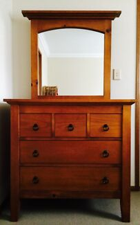 Honey Coloured Dresser / Dressing Table / Duchess / Chest of Drawers Toowoomba 4350 Toowoomba City Preview