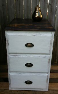 1 x large bedside table Coolangatta Gold Coast South Preview