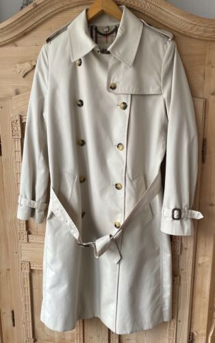 Burberry Heritage Trenchcoat
