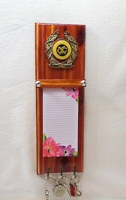 - EXCHANGE CLUB RED CEDAR WOOD KEY PLAQUE KEY HOLDER NOTE PAD