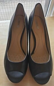 Perfect condition GEOX leather pumps