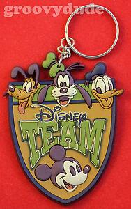 WDW-Team-Walt-Disney-World-Cast-Member-Mickey-DONALD-Pluto-GOOFY-Key-Chain-AK