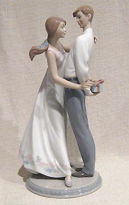 Lladro Figurine Love's Little Surprises # 6746 with Box