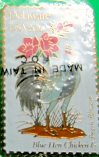 1982 DELAWARE STATE BIRD BLUE HEN FLOWER PEACH BLOSSOM USPS 20c STAMP PIN (41)