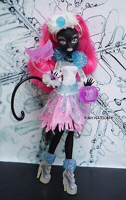 Monster High Abbey Bominable's GHOULS RULE Outfit and - Abbey Bominable