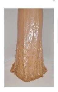 Carolina Herrera beige silk chiffon form-fitting cocktail