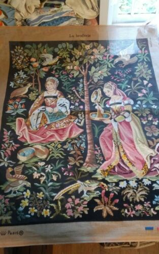Vtg rare Royal Paris needlepoint canvas only La Broderie Medieval Embroiderers