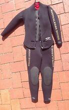 Ladies size 12 two piece scuba diving wet suit 5mm Swanbourne Nedlands Area Preview