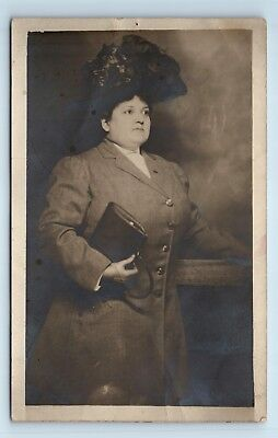 Seattle, WA - WOMAN SUITED FOR AYPE EXPO w/ LARGE HAT - STUDIO PORTRAIT RPPC J3