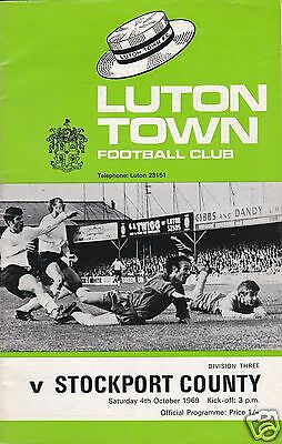 LUTON TOWN  V  STOCKPORT COUNTY   3RD DIVISION   4/10//69
