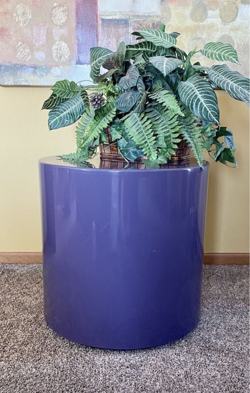 1970's Peter Pepper Products Plastiglas Modern Style Cylinder Shaped Table