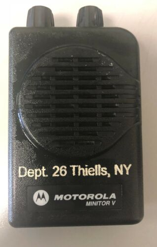 Motorola Minitor V Pager - UHF 470-477.9875 MHz 1 Channel  w/Charger #4