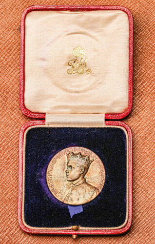 Beautiful 1911 Prince of Wales Investiture Royal Silver Antique Medal