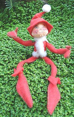 """RARE 1976 ANNALEE 7"""" RED SANTA ELF W/GREEN STITCHING ON BODY-TUSH TAG DATED 1957"""