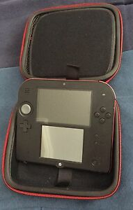 Nintendo 2DS excellent condition + 1 game