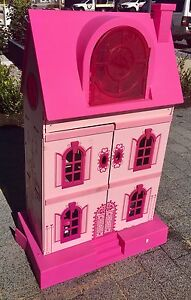 Dolls house with furniture Forrestdale Armadale Area Preview