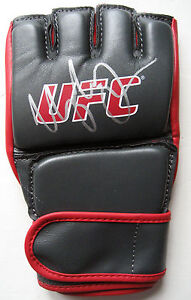 UFC WEC URIJAH FABER CALIFORNIA KID GENUINE HAND SIGNED UFC FIGHT GLOVE