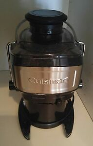 Juicer used 3 times. Mint condition