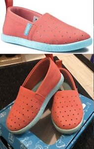 Coral & teal Venice Natives toddler size 7
