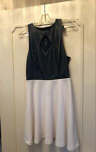 Marciano Dress size Medium 75$
