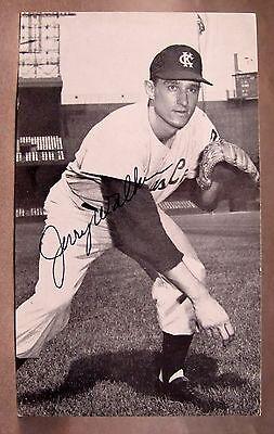 1961-62 JERRY WALKER Kansas City Athletics AUTOGRAPH McCarthy baseball postcard