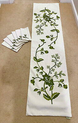 Pottery Barn Crewel Embroidered Green Floral Botanical Table Runner & 6 Napkins