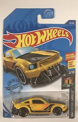 2020 Hot Wheels 2005 Ford Mustang HW Dream Garage 2/10