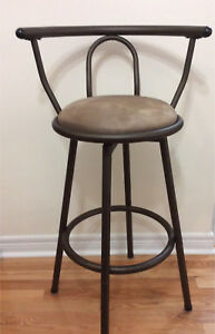 BAR STOOL. -- Almost Brand New