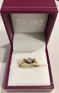 18ct yellow gold with diamond and comes with valuation of $2500 Highland Park Gold Coast City Preview