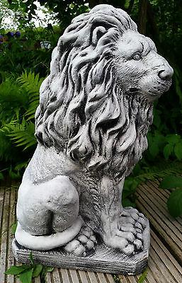 Löwe, Steinguss, sitzend rechts, 53 cm, 38 kg Gartenfigur, Frostfest, Steinfigur