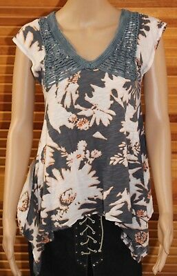 ANTHROPOLOGIE C Keer Womens XS Shirt Gray Cap Sleeves Floral Print (Hole)