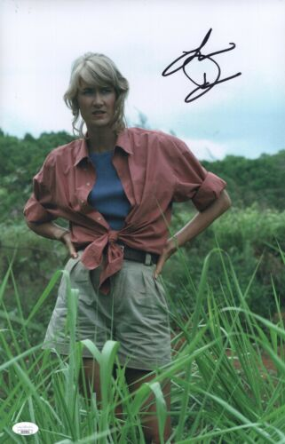 LAURA DERN Signed JURASSIC PARK 11x17 Photo IN PERSON Autograph JSA COA