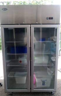 Commercial Freezer 900L Display Double Glass Doors