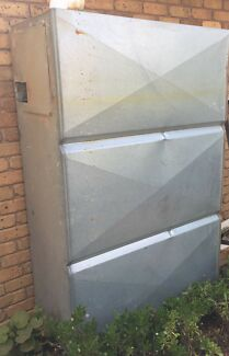 Water Tank and stand - Rectangular Style fits under eaves