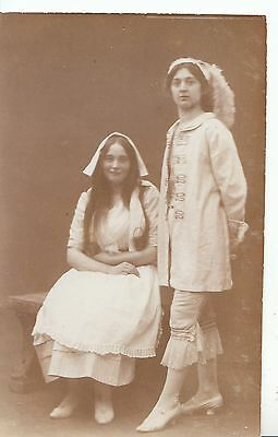 Costume Postcard - Young Lady Sitting and Young Man Standing - Ref BH705