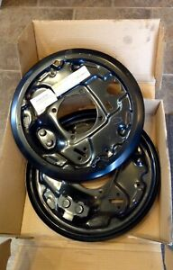 OEM TOYOTA Rear drum backing plate(s) for Toyota Tundra.