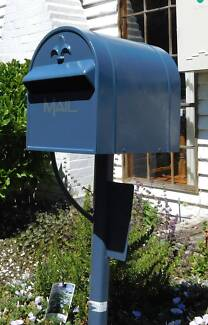 Freestanding letter box