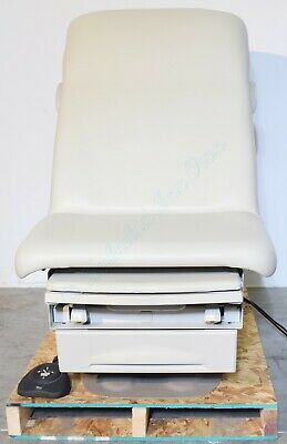 Midmark 223 Barrier Free Power Exam Table With Footswitch Ritter 223-015
