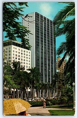 Postcard FL Miami Biscayne Boulevard From Bayfront Park Photo View H7](Biscayne Boulevard)