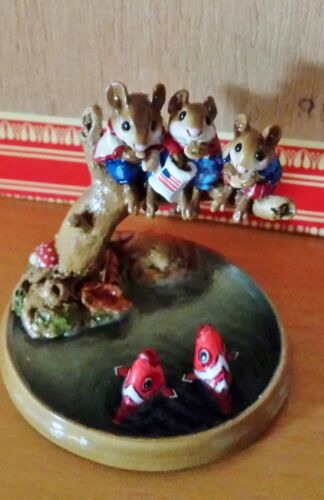 Wee Forest Folk PM-1  Chums Hanging Out  LTD EDITION  Mint