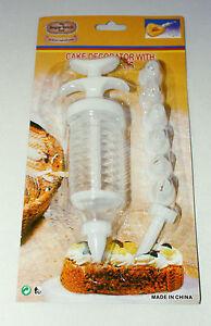 Cake Decorating Kit, Set Contains Piping Syringe with 8 Nozzles, Sugarcraft