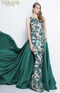 Terani couture dress in emerald colour