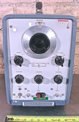 HEWLETT PACKARD MODEL No. 211A SQUARE WAVE GENERATOR