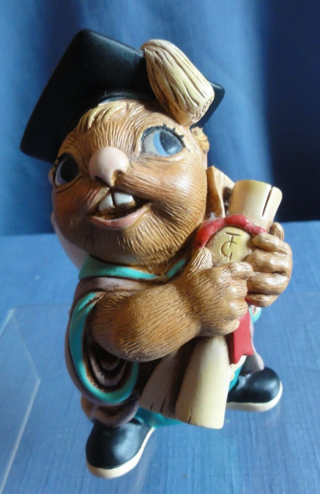 Pendelfin THE GRADUATE Made in England holding his diploma
