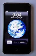 APPLE  IPOD  TOUCH  1ST  GEN  8 GB  W.  ACCESS. South Yarra Stonnington Area Preview