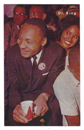VINTAGE BLACK AMERICANA POSTCARD DR MARTIN LUTHER KING AT AGVA BENEFIT FOR SCLC