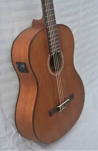 Martinez Full Size Nylon String Guitar Meranti With Tuner & Gig Bag