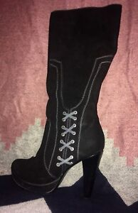 Woman's Suede Boots