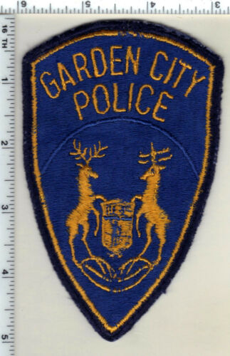 Garden City Police (Michigan) Uniform Take-Off Shoulder Patch from 1991